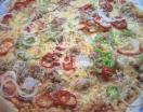 Fotográfia secundaria Pizza de Bonito, Pimiento Verde y Rojo