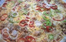 Pizza de Bonito, Pimiento Verde y Rojo