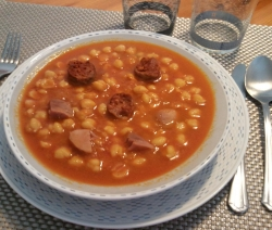 Garbanzos con Jamón y Chorizo