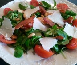 Ensalada de Canónigos, Frutos secos y Parmesano